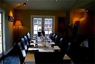 conference table tirohana